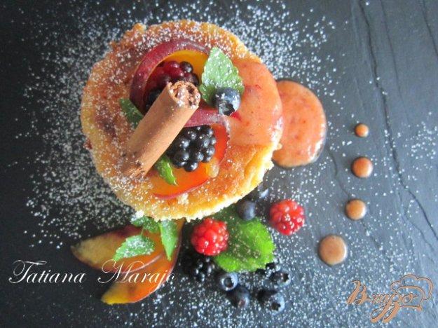 фото рецепта: Творожники с персиками..