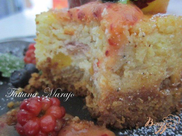 Фото приготовление рецепта: Творожники с персиками.. шаг №8