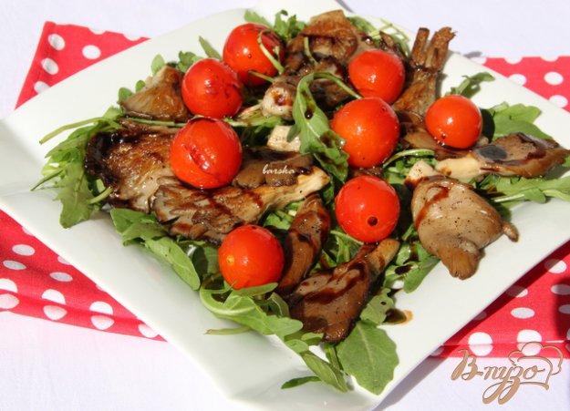 Рецепт Тёплый салат с рукколой и вешенками