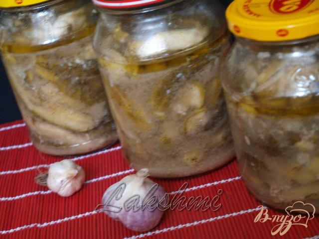 Фото приготовление рецепта: Острый салат из огурцов шаг №3