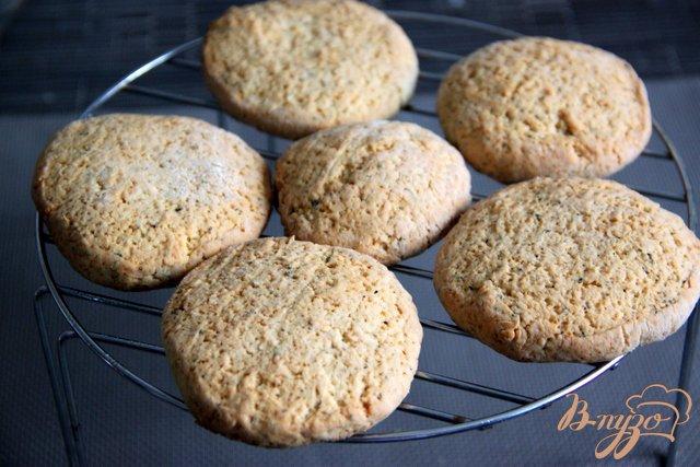 Фото приготовление рецепта: Oregano - Shortcakes  с ягодами шаг №7