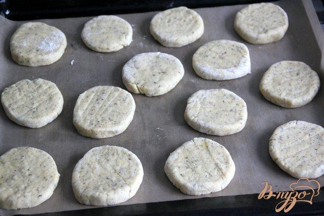 Фото приготовление рецепта: Oregano - Shortcakes  с ягодами шаг №6