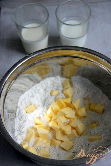 Фото приготовление рецепта: Oregano - Shortcakes  с ягодами шаг №3