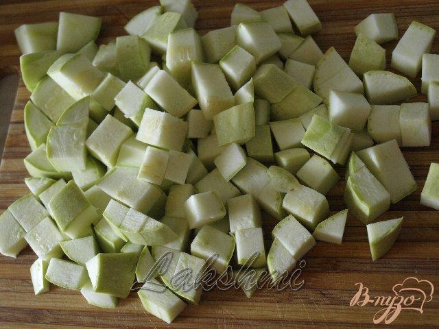 Фото приготовление рецепта: Орзотто с грибами, кабачками и курицей по-домашнему шаг №1
