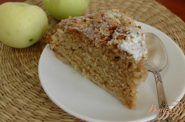 Фото приготовление рецепта: Яблочный пирог с корицей и кардамоном шаг №5