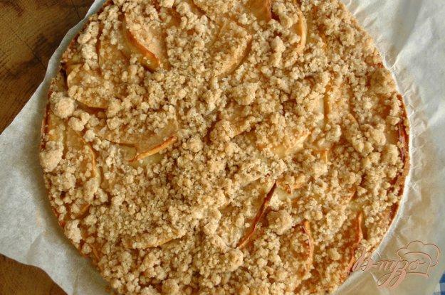 фото рецепта: Яблочный пирог с карамельной крошкой