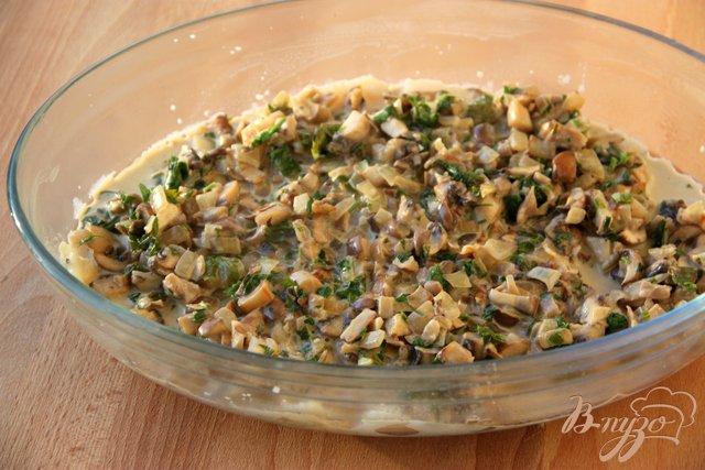 Фото приготовление рецепта: Камбала, запечённая под грибной шапочкой шаг №4