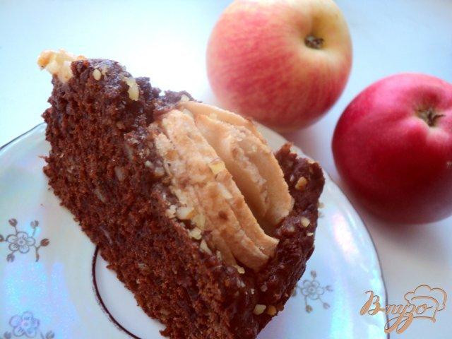 Фото приготовление рецепта: Пирог « Яблоки в шоколаде» шаг №7