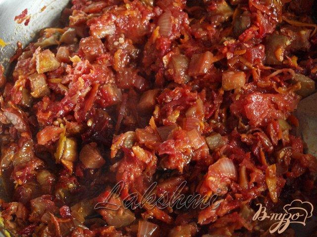 Фото приготовление рецепта: Постный борщ с баклажанами шаг №2