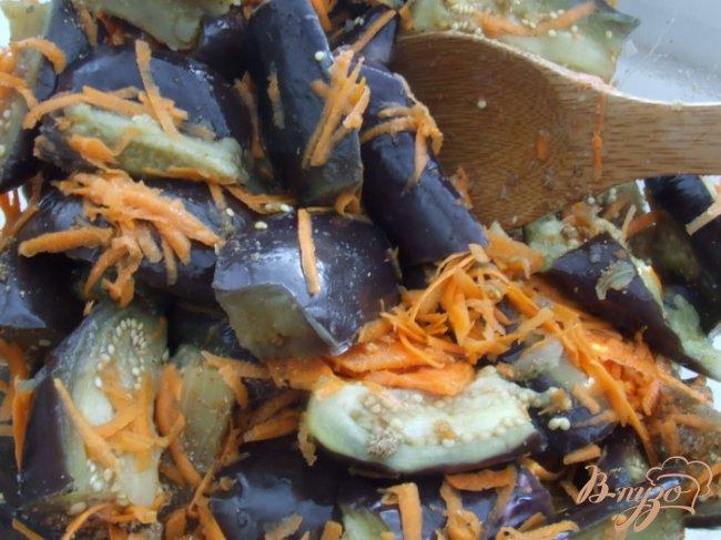 Фото приготовление рецепта: Осень в банке (баклажаны с морковью) шаг №2