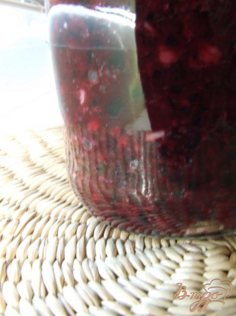 Фото приготовление рецепта: Соус из черноплодной рябины с чесноком шаг №4