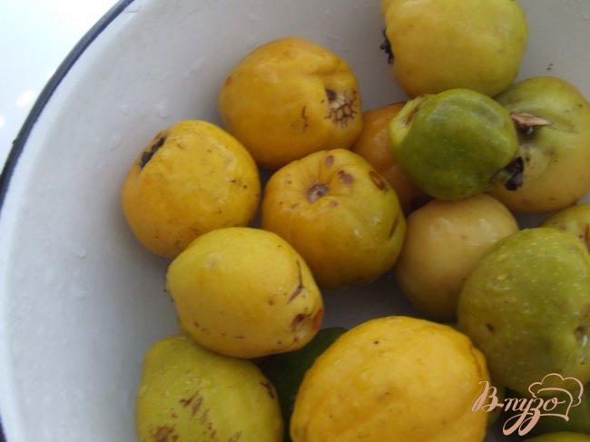 Фото приготовление рецепта: Варенье из айвы японской и яблок шаг №1