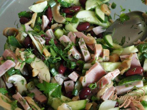Салат с ветчиной, фасолью и шампиньонами