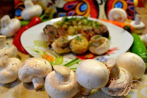 Свиная грудинка с грибами.