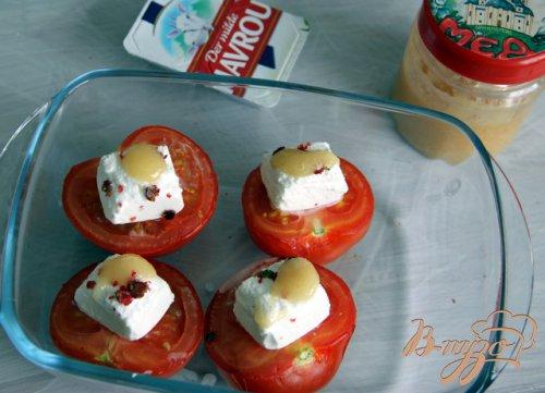 Помидоры, запечённые с козьим сыром