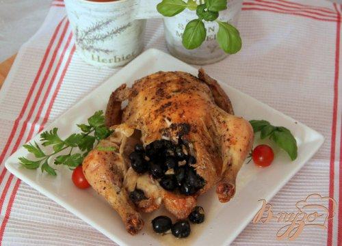 Курица, фаршированная пикантными маслинами