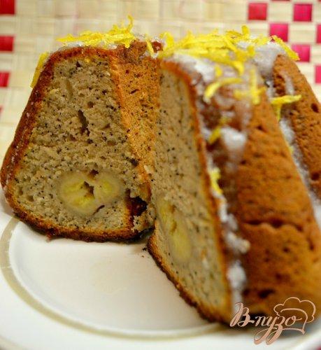 Банановый кекс с маком и лимонной глазурью