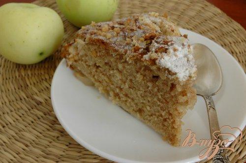 Яблочный пирог с корицей и кардамоном