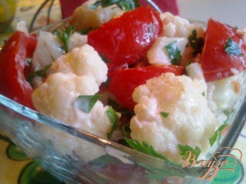 Салат из помидор и цветной капусты