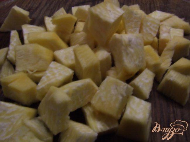 Фото приготовление рецепта: Рагу из индейки с репой и зеленым горошком шаг №3
