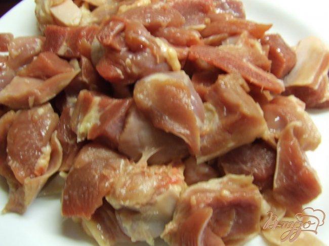 Фото приготовление рецепта: Рагу из индейки с репой и зеленым горошком шаг №1