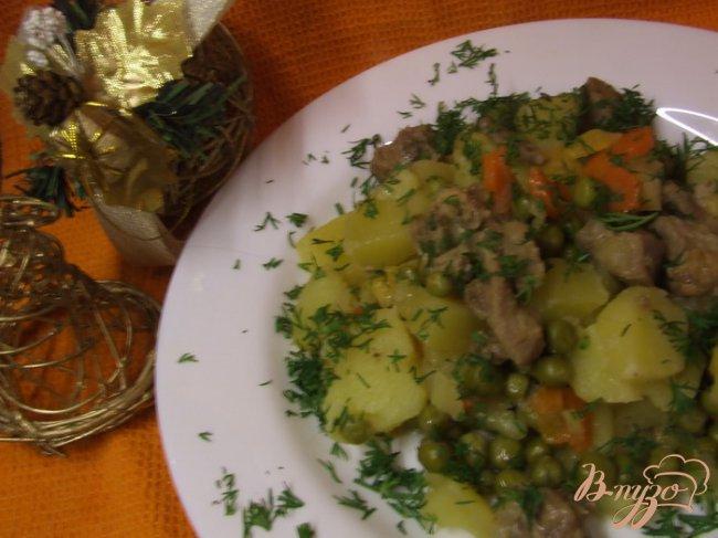 Фото приготовление рецепта: Рагу из индейки с репой и зеленым горошком шаг №5