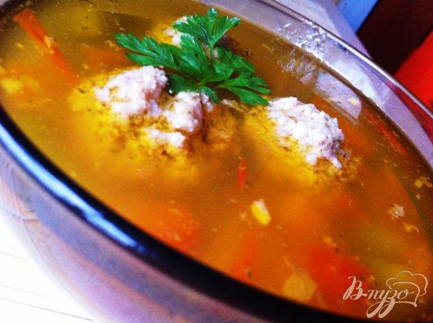 фото рецепта: Овощной суп с фрикадельками и рисом