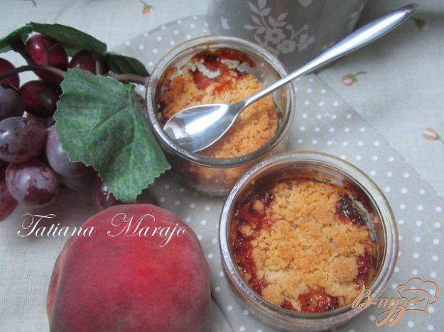 Рецепт Персиковый крамбль с розмарином