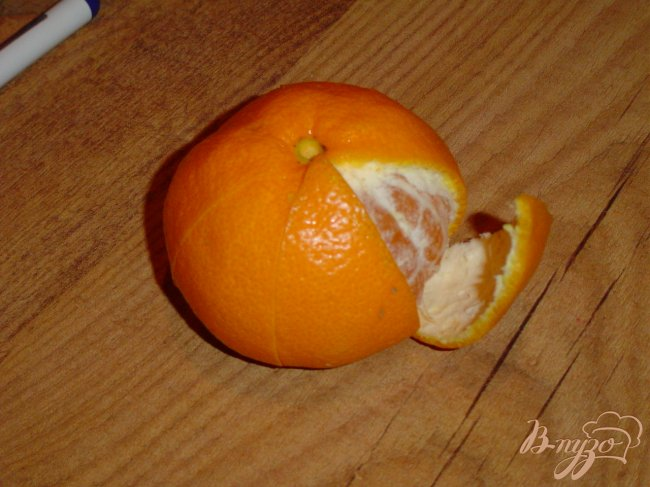 Фото приготовление рецепта: Цветок из мандарина шаг №1