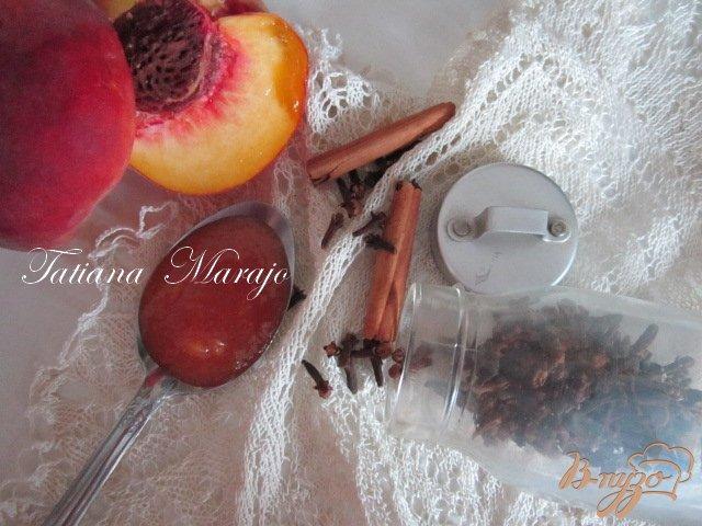 Фото приготовление рецепта: Персиковый конфитюр с пивом шаг №4