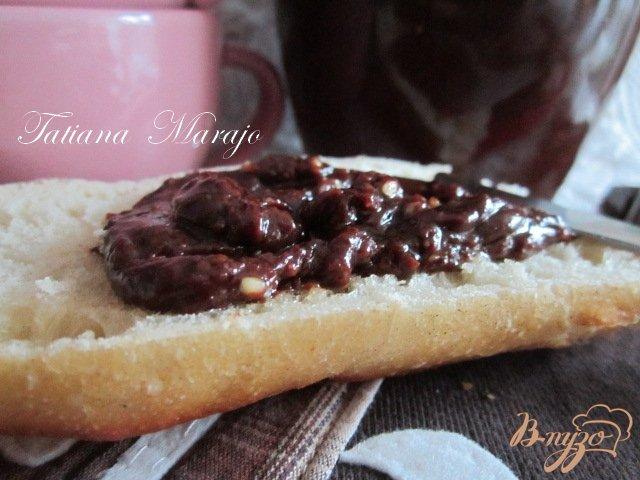 Фото приготовление рецепта: Шоколадная паста с лесными орехами шаг №3