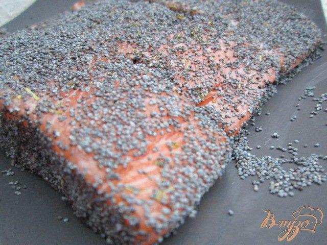 Фото приготовление рецепта: Семга в маковой панировке шаг №2
