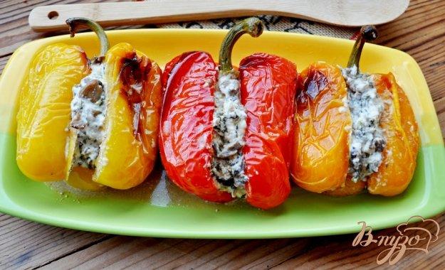 Рецепт Запечённый перец, фаршированный вешенками и сыром