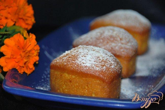 Фото приготовление рецепта: Итальянский апельсиновый кекс - чамбеллоне (Ciambellone) шаг №7