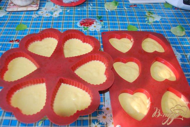 Фото приготовление рецепта: Итальянский апельсиновый кекс - чамбеллоне (Ciambellone) шаг №6