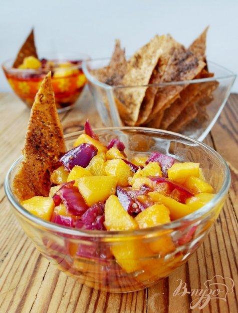 Рецепт Персиковая сальса с пряными чипсами из лаваша
