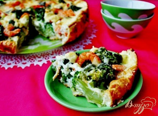 Рецепт Закусочный пирог с брокколи,креветками и пармезаном.
