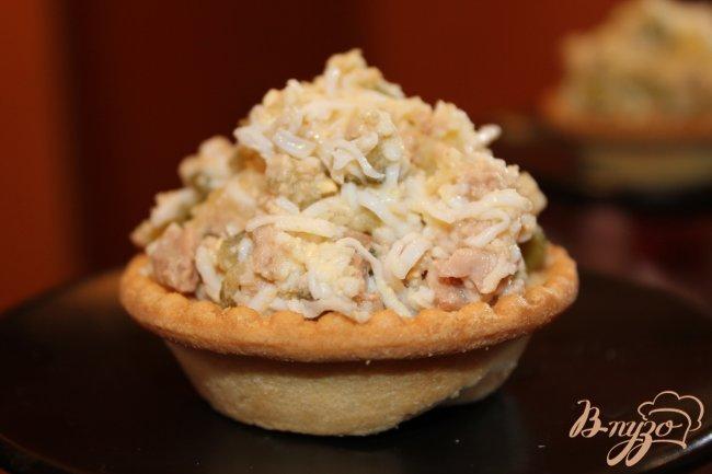 Фото приготовление рецепта: Салат с печенью трески шаг №5