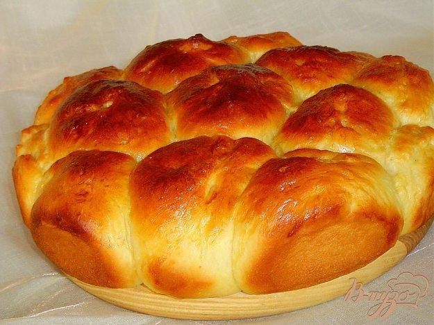 фото рецепта: Порционный пирог с яблоками и вялеными вишнями.
