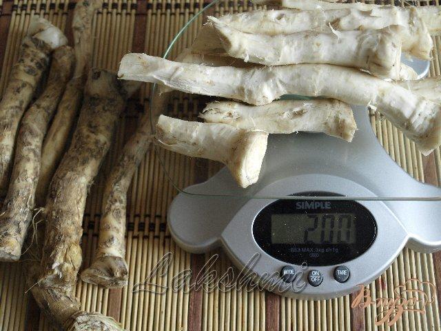 Фото приготовление рецепта: Сырая аджика с хреном шаг №1