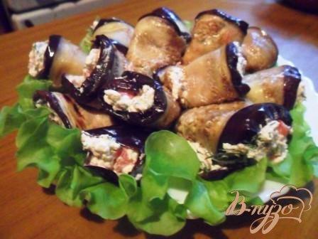 Рецепт Рулетики из баклажан с фетой и помидорами