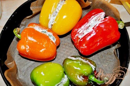 Запечённый перец, фаршированный вешенками и сыром