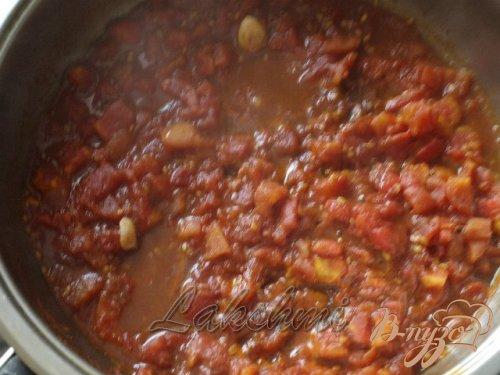 Запечённые баклажаны под томатно-коричным соусом