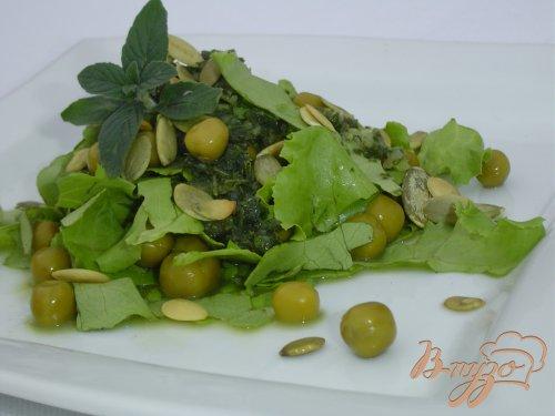 Салат с зеленым горошком