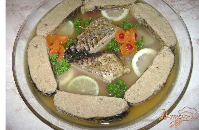 Фото приготовление рецепта: Фаршированная рыба шаг №9
