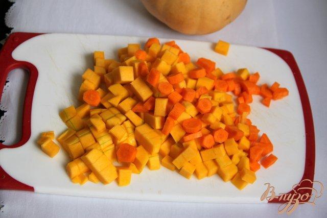 Фото приготовление рецепта: Тыквенно-куриный суп-пюре шаг №2