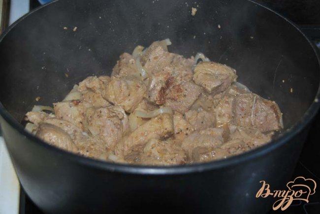 Фото приготовление рецепта: Оджахури или свинина по-домашнему шаг №4