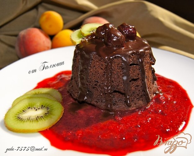Рецепт Шоколадный кекс с вишней в микроволновке