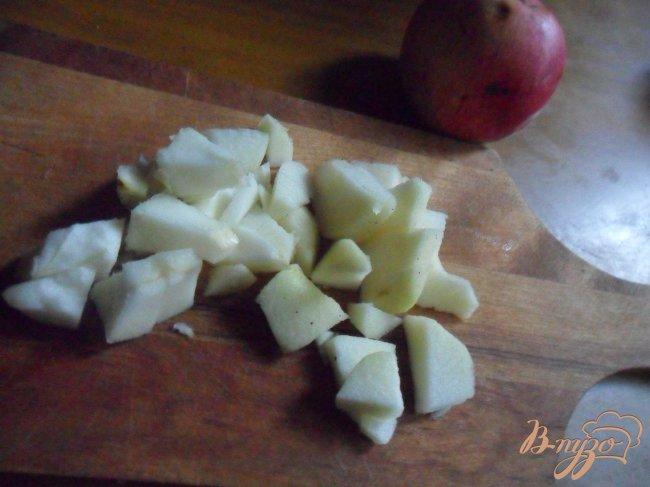 Фото приготовление рецепта: Яблочно-кокосовый пирог шаг №4