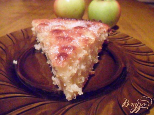 фото рецепта: Яблочно-кокосовый пирог